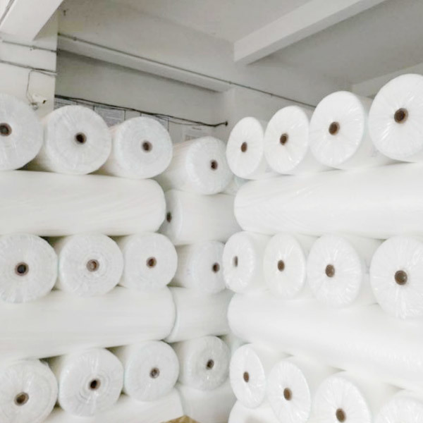 Anti-UV extra-width pp spun bonded non woven for frost protection