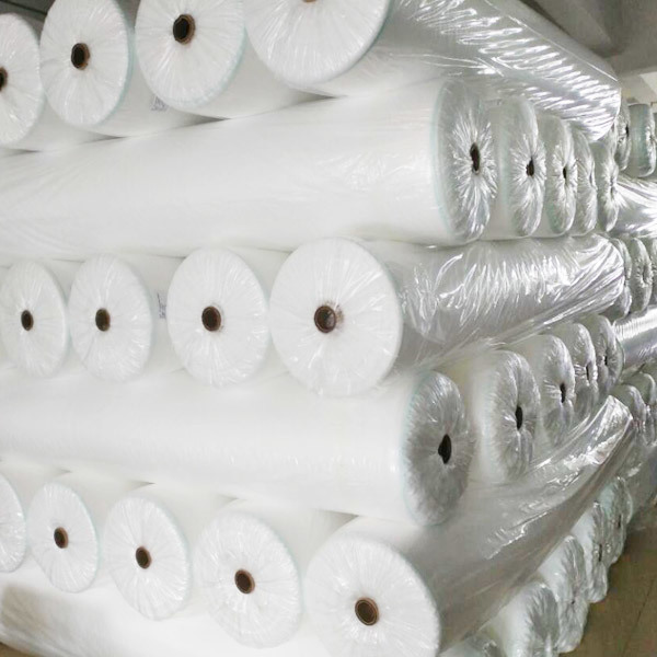 Ultra-width pp spun bonded non woven for agricultural covering